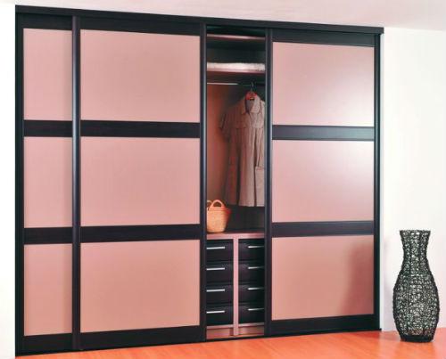 Вграден гардероб